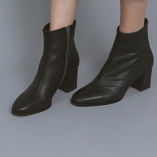 Rough soft leather coated with thick black boots