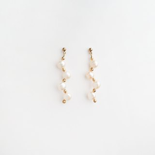 Pearl Twig earrings
