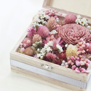 Dry flower box / referral box / pink