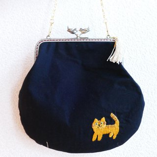 Embroidery tamago handbag tea tiger cat