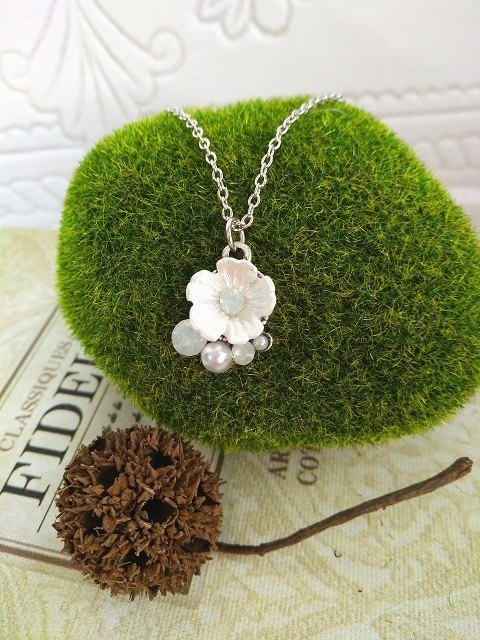 Garohands pearl beads pearl white flowers feel short chain A660 gift temperament purity