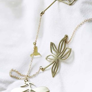 Gloden Leaves Charm Necklace / Everday Jewelry / Linen Jewelry.