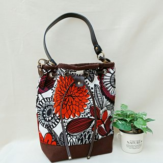 [bucket bag] hand-painted large flowers