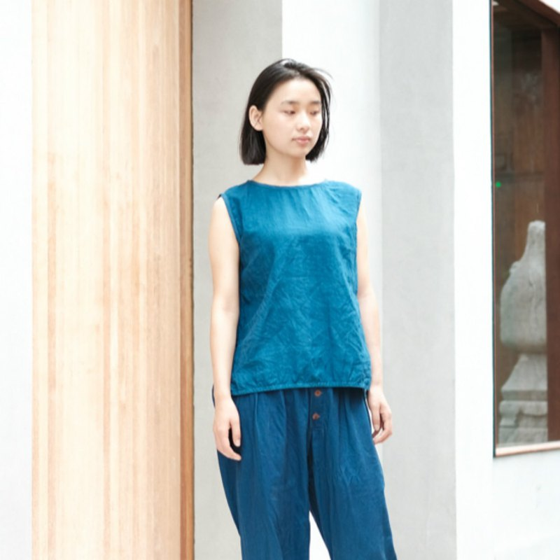 Flying bird | Indigo loose sleeveless plain vest minimalist top natural ecological linen 100% linen