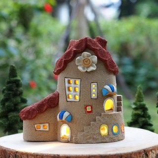 Lighthouse House - Garden Lights / Ceramic Grayed House (without wood accessories with hand tree)