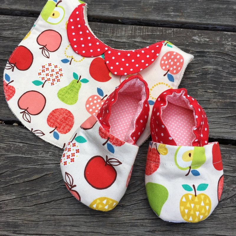 Red Apple Gift Box - Toddler shoes + bibs