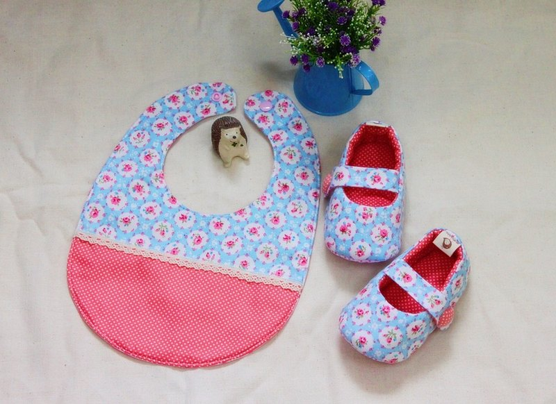 Blue flowers shoes + pocket births ceremony. Full moon ceremony