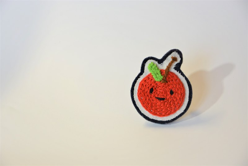 Smile Red Apple I Embroidery Pin Buckle Pin Brooch