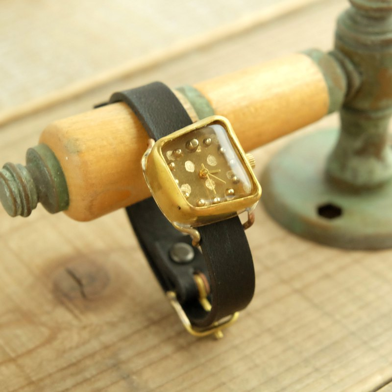 A timid watch clock SQ dot gold_f Y003_f