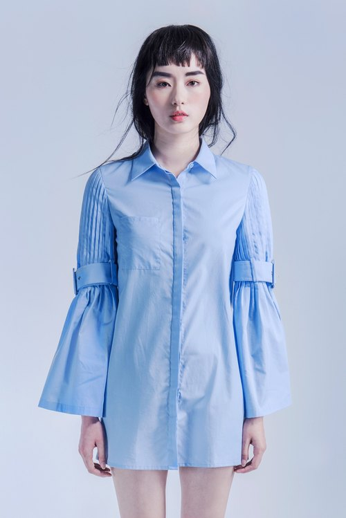 Water blue pleated shirt