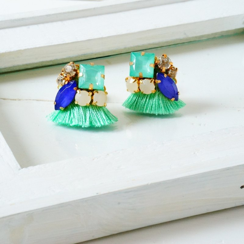 silk and Bijou Earrings / Clip-ons mint green