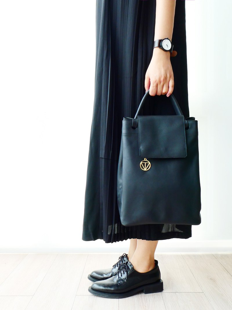 Carré Leather Bag - Black