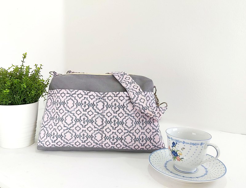 Cross body bag made of Linen in Two Tone Grey/Pink
