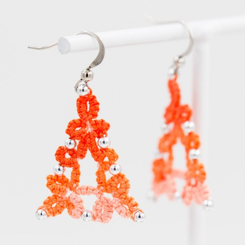 Lively long triangular earrings - gradient orange