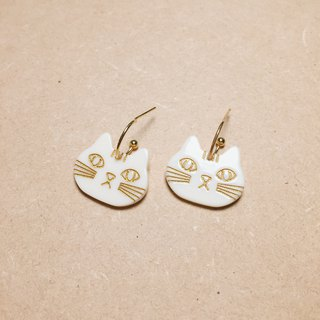 Vintage beige white cat and cat earrings