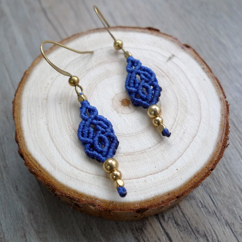 Misssheep A83 - macrame earrings with brass beads