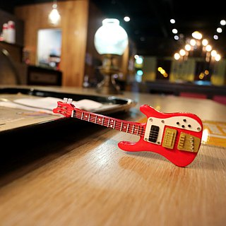 [Red Bass] Rickenbacker Bass Guitar Textured Mini Model Charm Accessories Custom