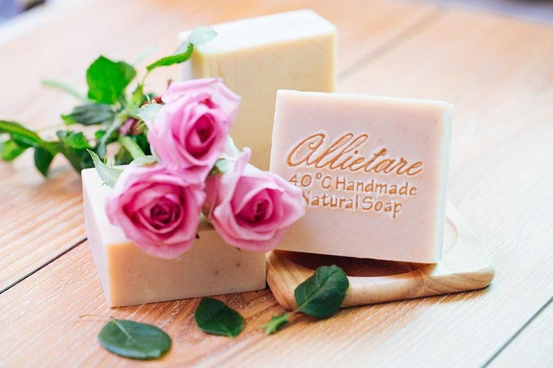 Allietare love to create / romantic rose goat soap / neutral, young skin apply