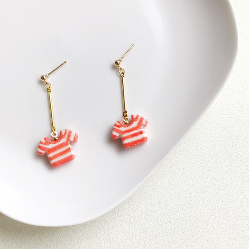 Cute little clothes - hand made / hand-painted earrings