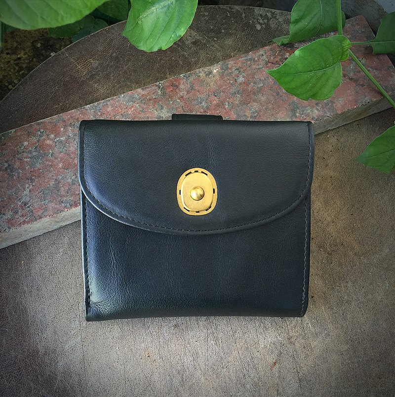 Sienna leather large capacity short wallet