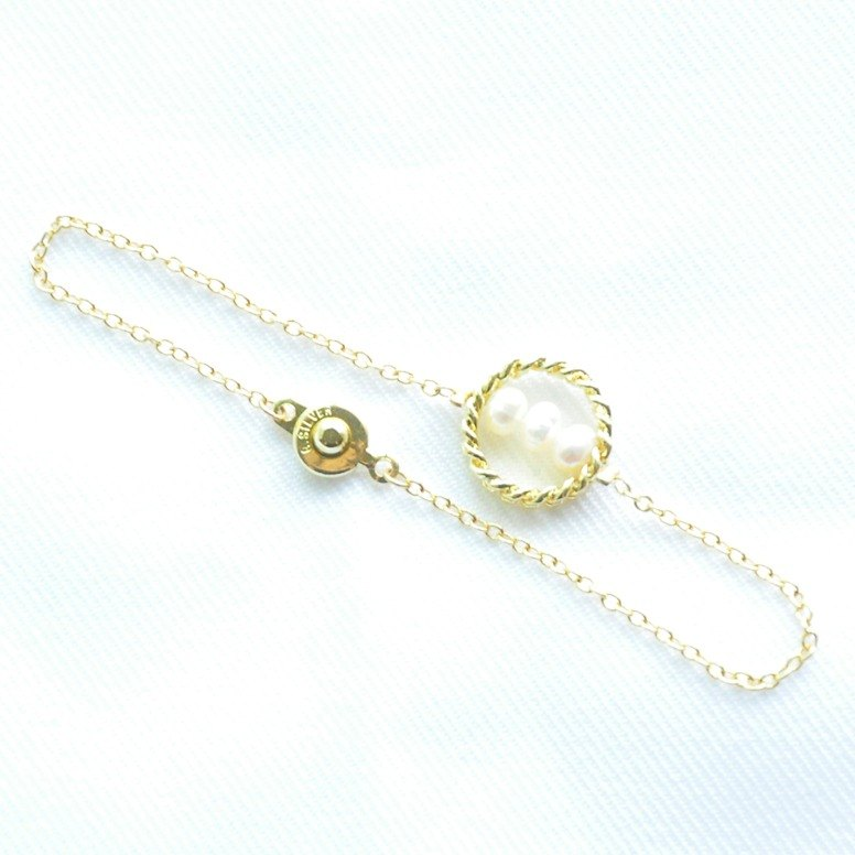 "Bochim Angel - ""Gold chain""  Pearl Bracelet"