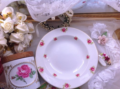♥ ♥ Annie crazy Antiquities British porcelain 1960 Rose garden cake plate fruit plate inventory heart dish soup plate soup ~ practical