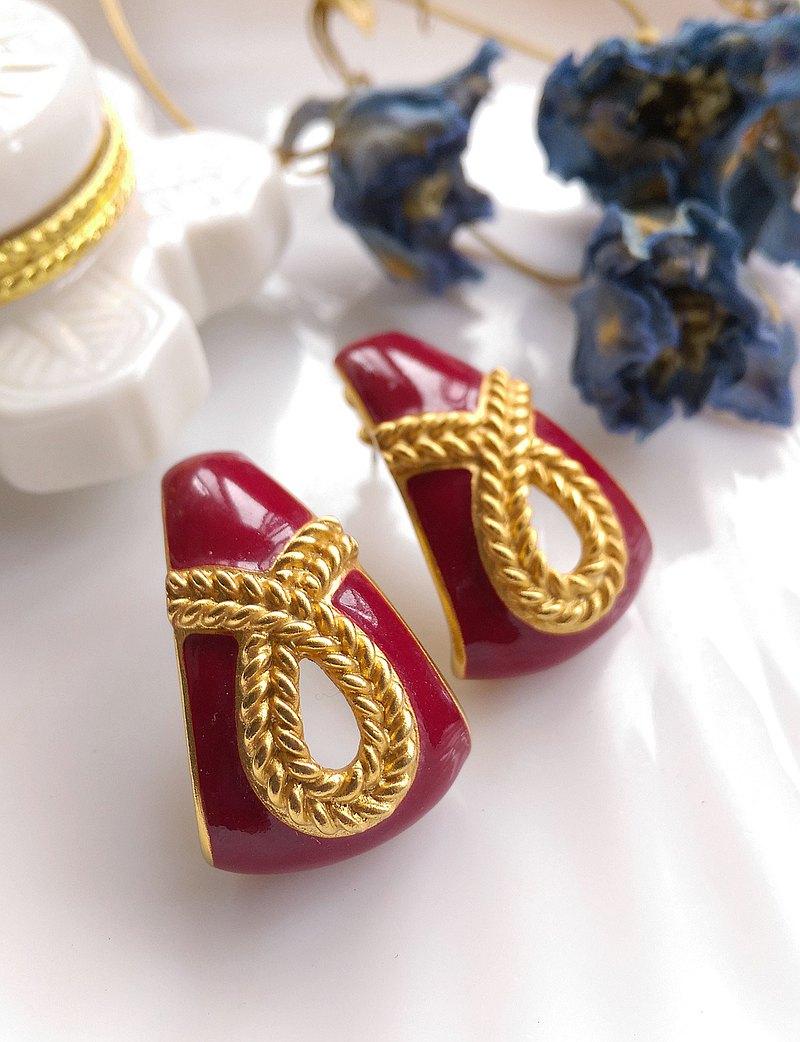 西洋古董飾品。紅的優雅 針式耳環