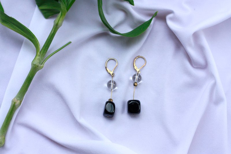 Irregular square black agate earrings