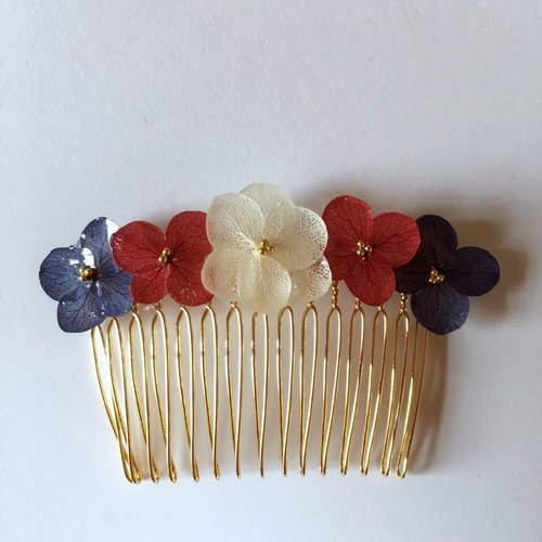Hydrangea's Hair Comb*Berry Color*