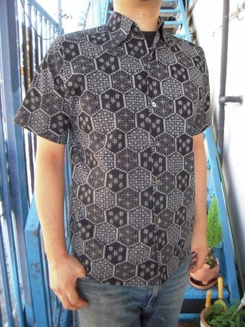 Short-sleeved shirt Japanese Pattern (Kasuricho pattern on the turtle)