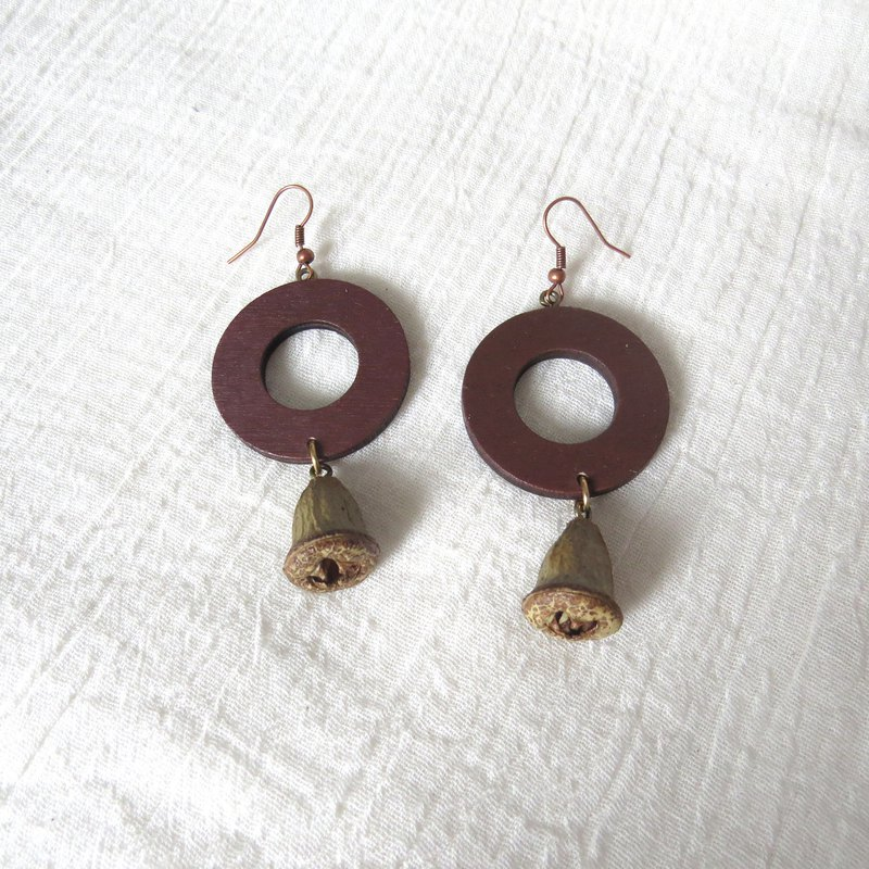 :: Eucalyptus Circle :: Fruit Seed Earrings