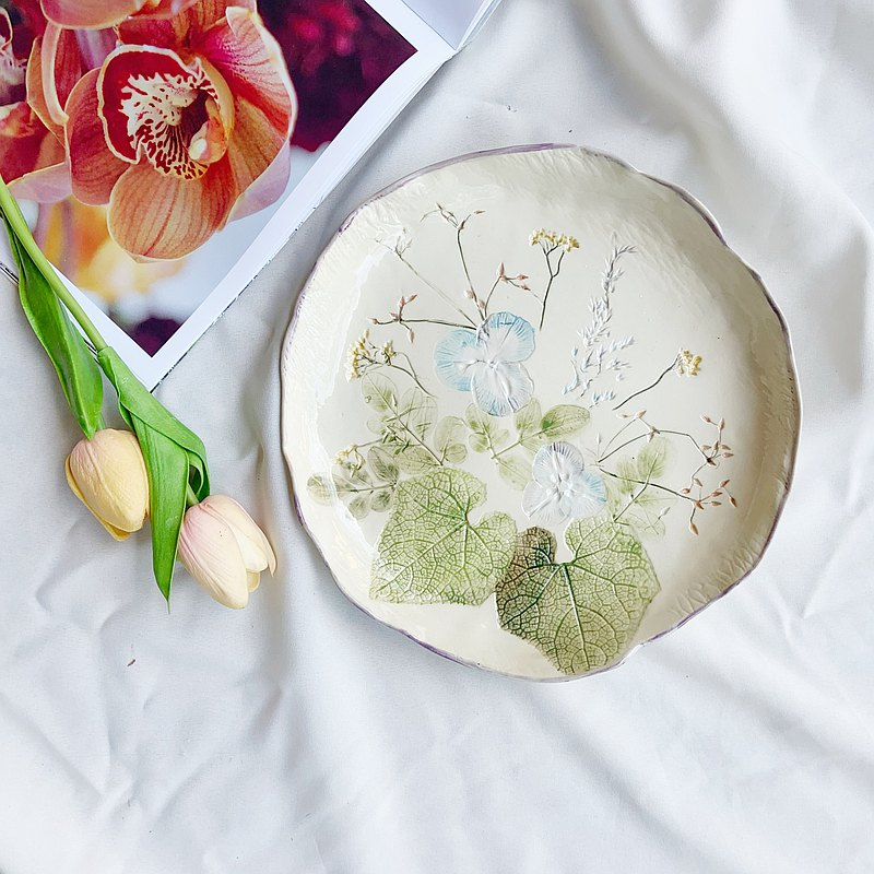 Pressed flower plate (purple)| Handmade ceramic
