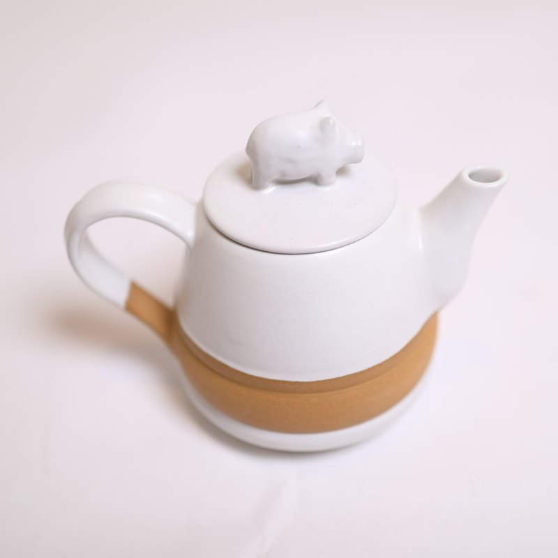 snow pig tea pot set-fair trade