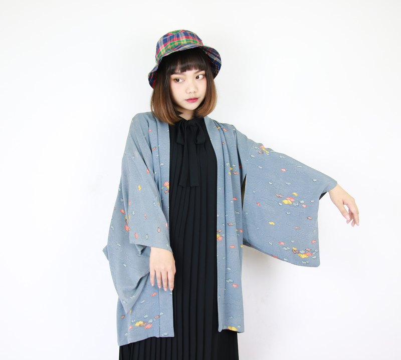 Back to Green:: Japan brought back kimono blue knit blue and/or men and women to wear // vintage kimono (KC-27)