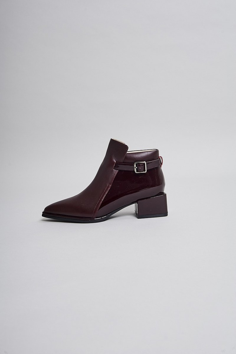 Side buckle tip thick heel boots wine red