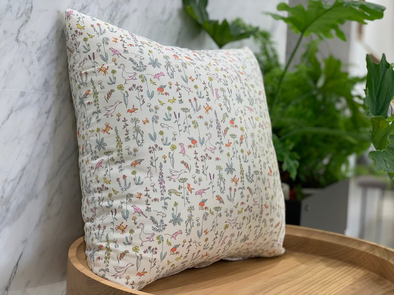 British fine cotton / forest pillow