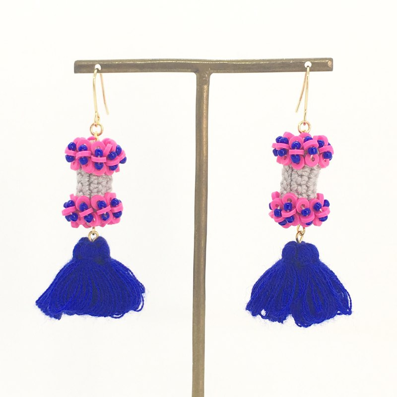 Toy volume earrings / earrings [gray x navy]
