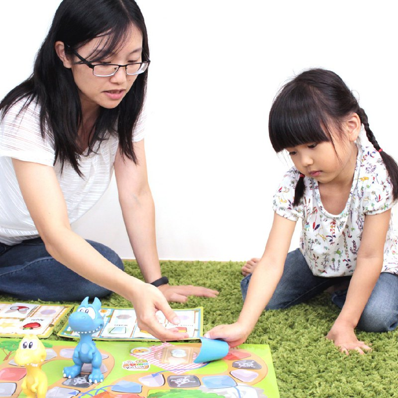 Hong Kong CHEESELION-Go Picnic Little Dinosaur Picnic (Children's Communication Board Game)