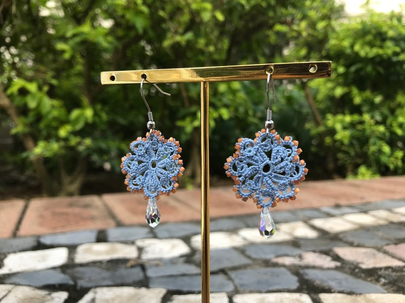 tatted lace crystal earrings / gift / Swarovski crystal / customize