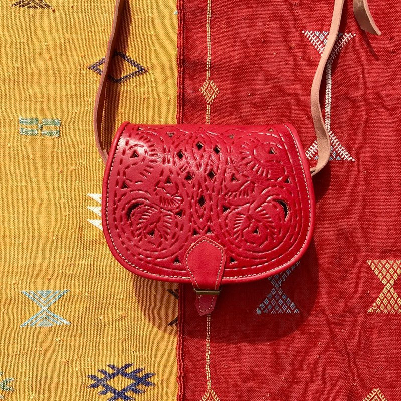 Moroccan hollow carved bag poppy red