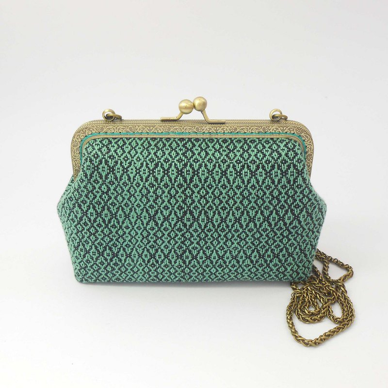 Hand-woven fabric 18cm oblique back gold bag 02