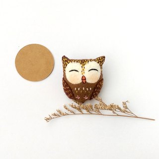 Smiling owl pin / hair bundle / magnet