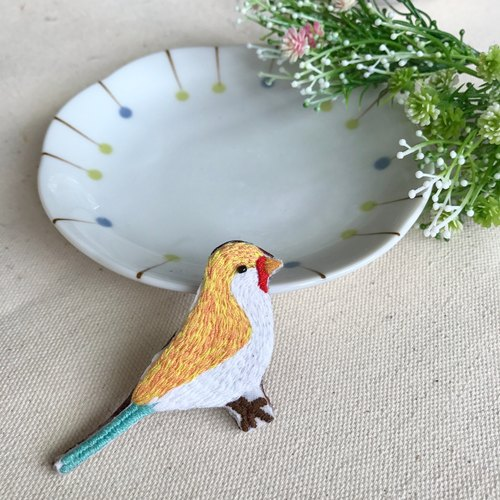 Hand embroidery * bird's summer sunny pin