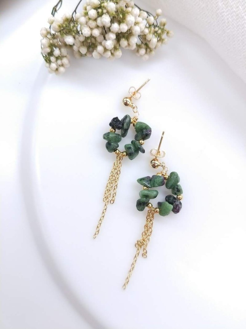 [18K Gold / Light Luxury Series] Irregular Ruby Emerald Tassel Ear Pin Ear Clip Earrings