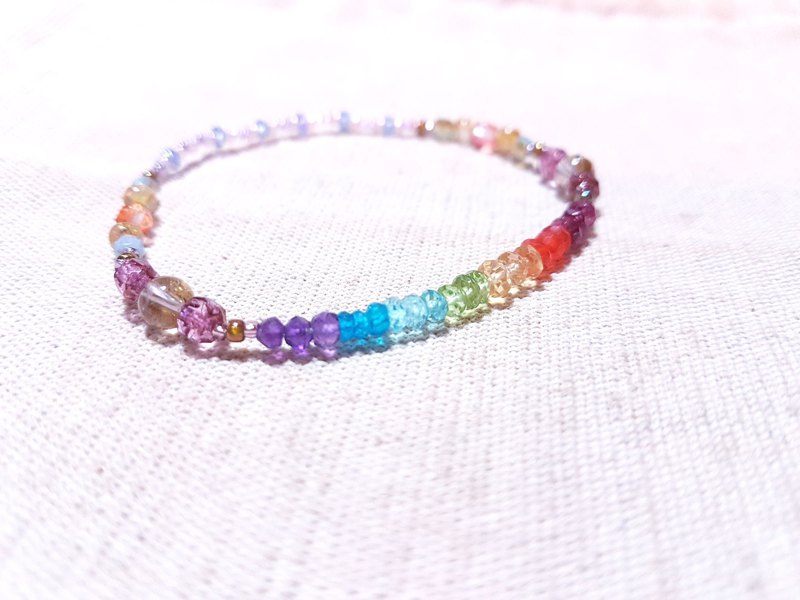 Colorful crystal x titanium crystal x tanzanite - a curved rainbow after the rain