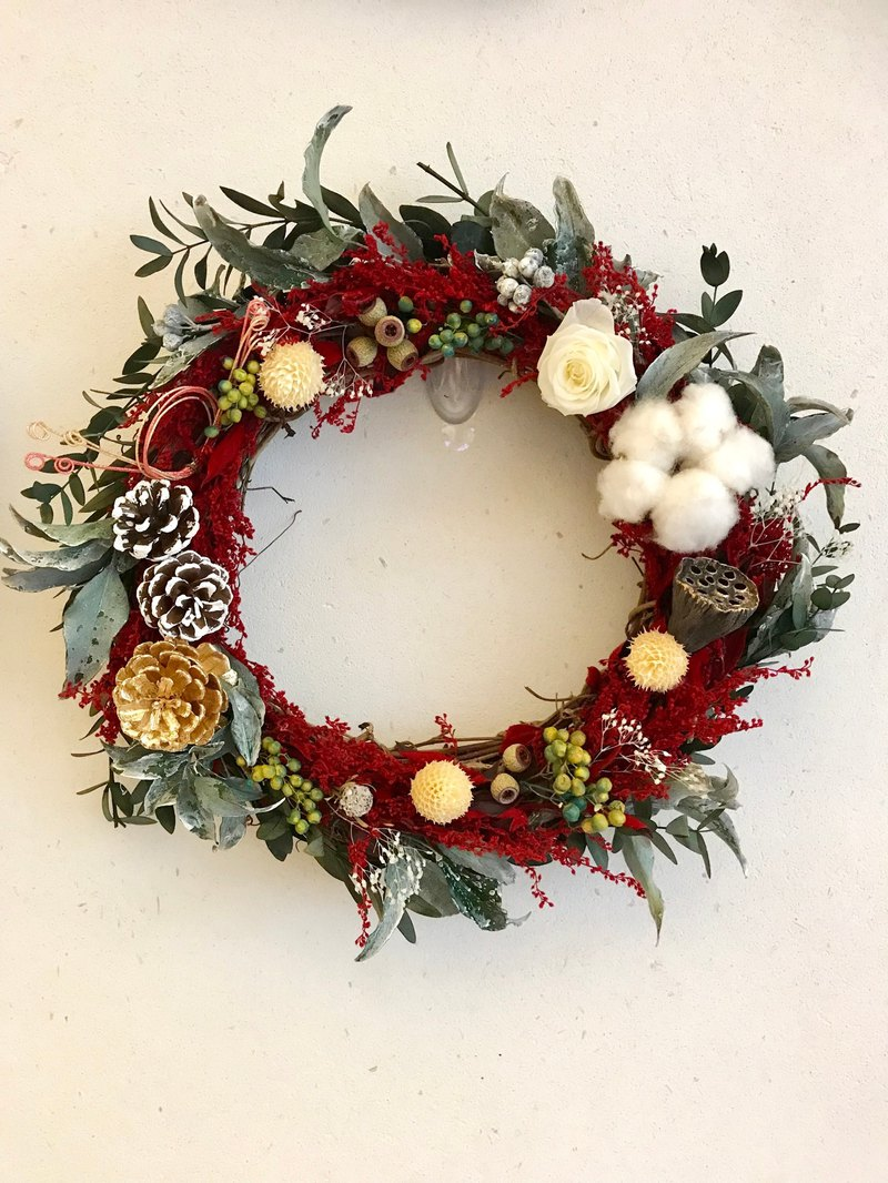 Not withered wreath - Festive New Year red
