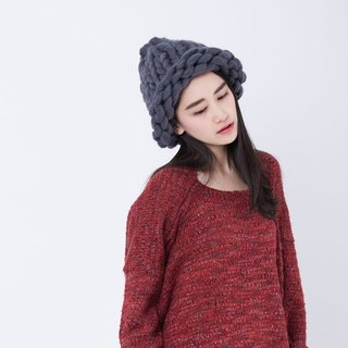 Handmade wool beanie / Dark Gray