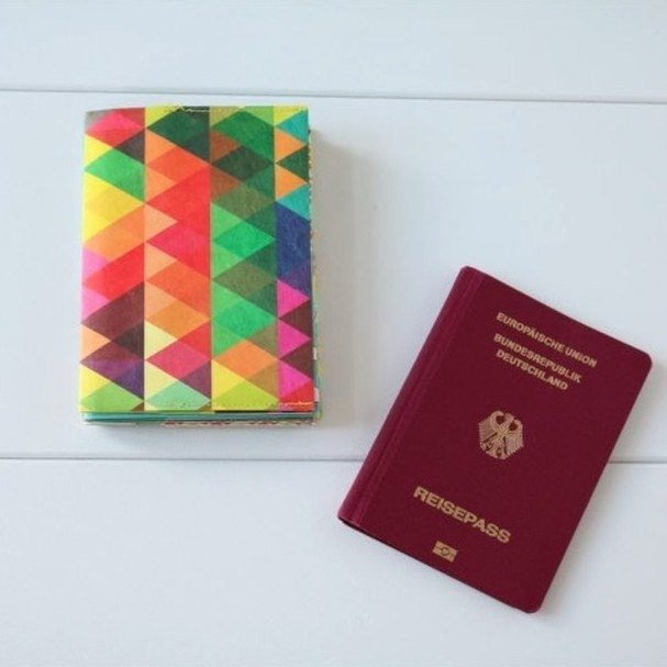 [German Handmade] Paprcuts.de Waterproof Passport Holder-Kaleidoscope Red
