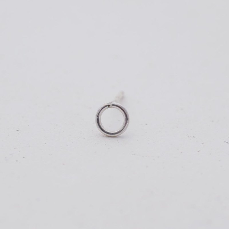Minimal Design Mini Ring Sterling Silver Earrings (Single In)