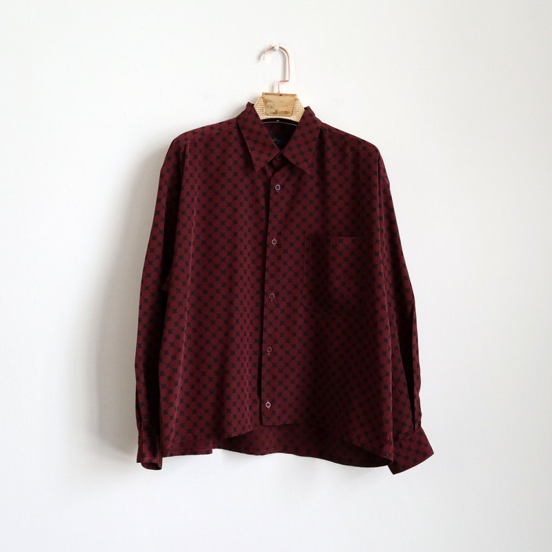 Pumpkin Vintage. Vintage burgundy printed long-sleeved shirt